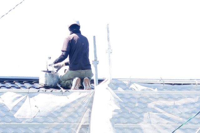 屋根の塗装をしり職人
