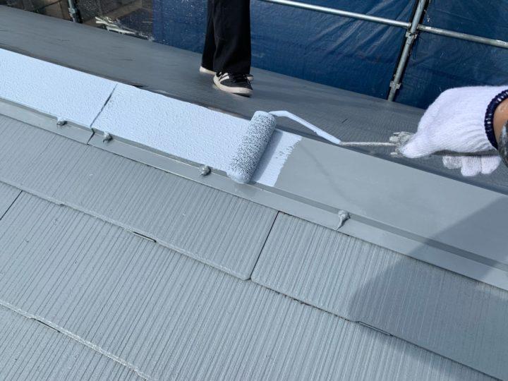 屋根塗装 棟押さえ板金 中塗り
