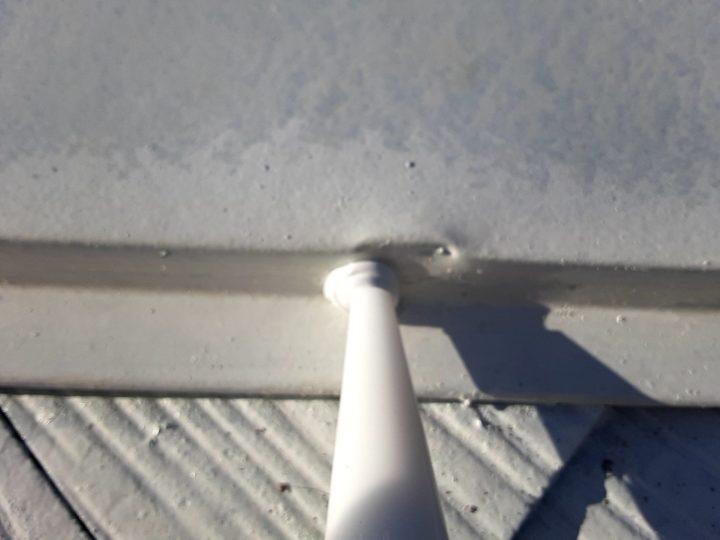 屋根塗装 棟押さえ板金 釘コーキング止