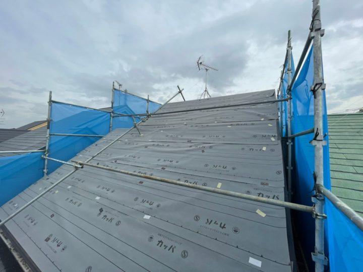 屋根重ね葺き 防水シート貼り