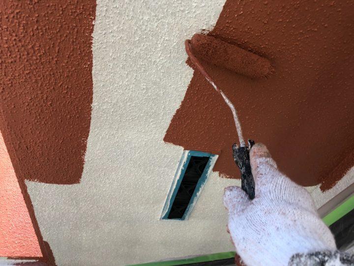 軒天塗装 中塗り