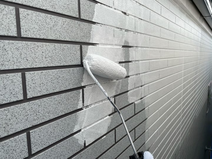 外壁塗装 下塗り1回目