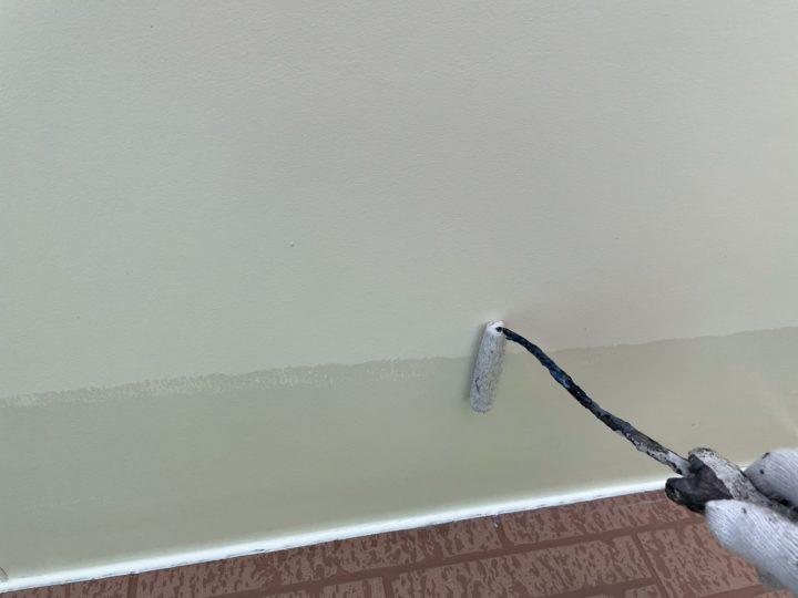 軒天塗装工事 下塗り